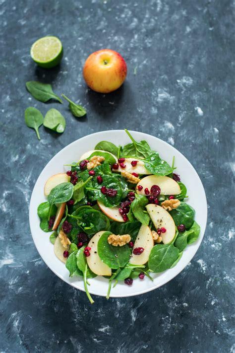 Sallatë me spinaq e mollë. Aleati numër 1 i shëndetit tuaj ...
