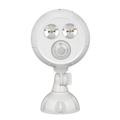 mr beams 300 lumen outdoor white weatherproof wireless