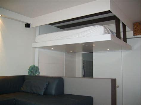 lit suspendu au plafond prix lit relevable plafond pas cher