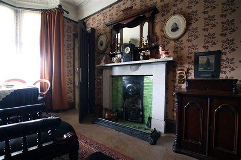 the livingroom glasgow miss toward s tenement house