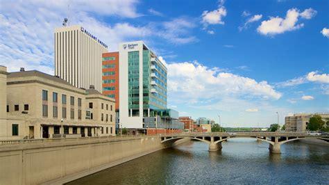 Cedar Rapids by 10 Best Hotels In Cedar Rapids Iowa City For