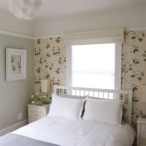 Small Guest Bedroom Decorating Ideas  Home Design Ideas