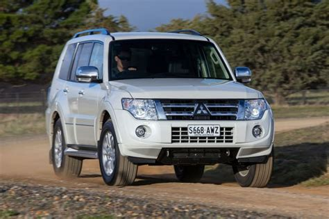how cars engines work 2001 mitsubishi challenger electronic throttle control used mitsubishi pajero review 2001 2016 carsguide