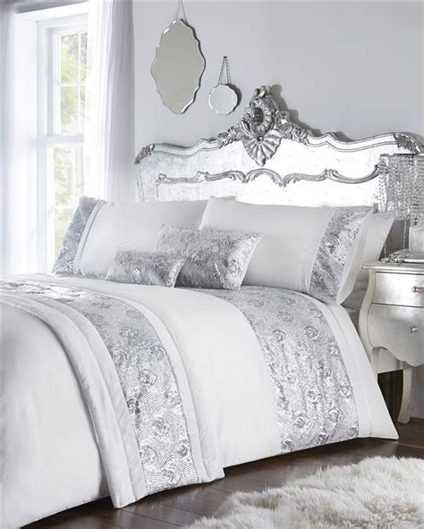 White And Gold Bed Covers by Luxury Bed Sets With Gold Or Silver Sequins Duvet