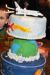 Space Shuttle Cake - far from great fondant work, but it ...