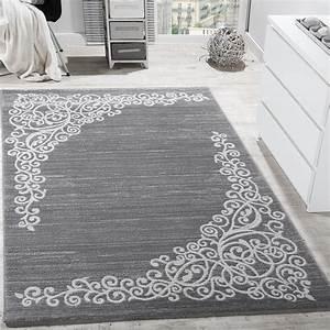 Designer teppich floral muster glitzergarn grau weiss for Balkon teppich mit tapete türkis ornamente
