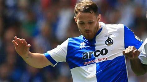 Tom Parkes: Carlisle United sign ex-Leyton Orient defender ...