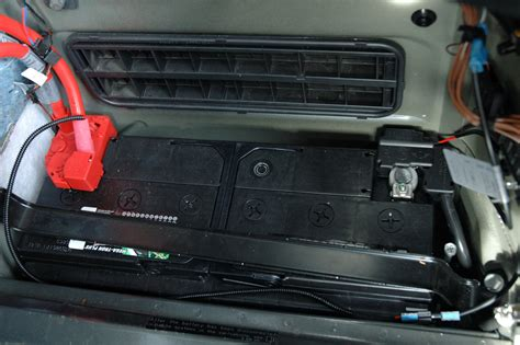 Bmw E60 Battery by Bmw With A Dead Battery Stop And Tow Vehicle To Save Money