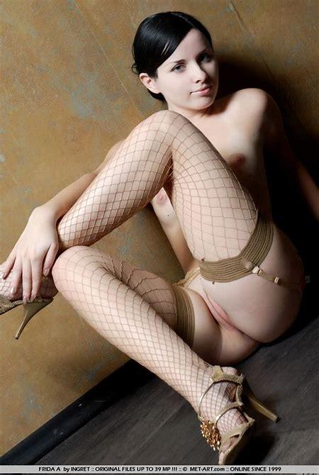 Met-art Frida Nude Photo Gallery 92502