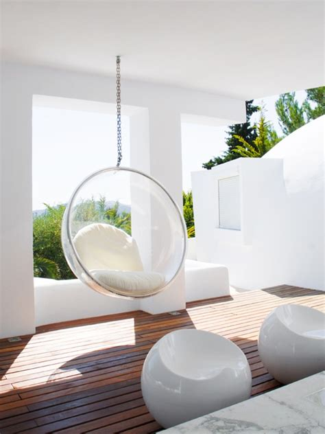15 summer ready cocoon chairs that invite themselves in