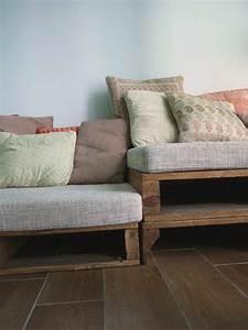 Palettenm bel selbst basteln sofa aus paletten pictures for Sofa aus paletten