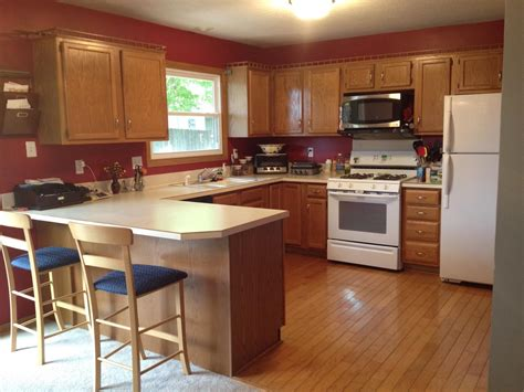 colors to paint a kitchen with oak cabinets 4 steps to choose kitchen paint colors with oak cabinets 9942