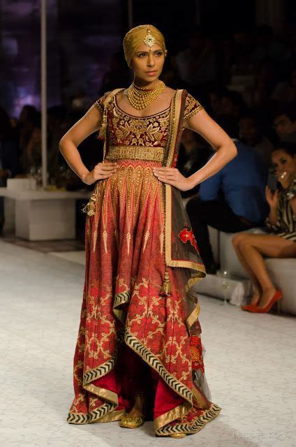 jj valaya classic embroider bridal collection designers