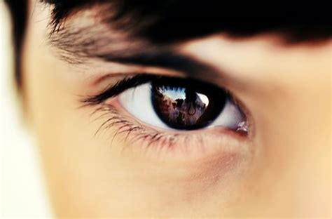 how eye contact works psyblog