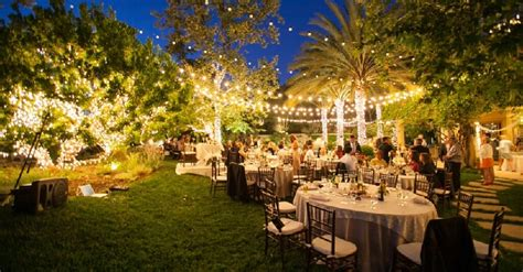 tips  planning  amazing backyard wedding elegante