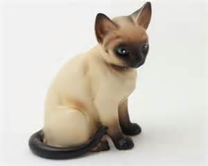 cat figure lefton siamese cat ceramic figurine h4032 1960s by