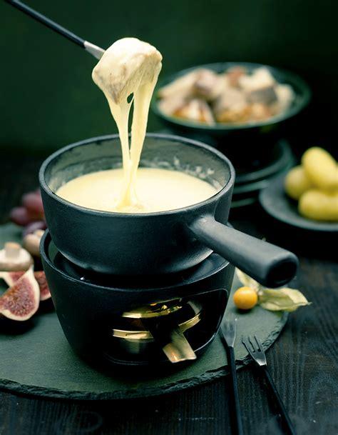 cuisine sans gluten sans lait fondue savoyarde pour 6 personnes recettes à table