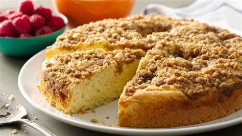 Streusel Coffee Cake Recipe   BettyCrocker.com