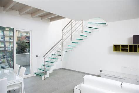 Ringhiere In Vetro Per Scale Interne - scale in vetro per interni scale moderne lineascale