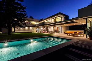Modern Day Bauhaus Home is a Contemporary Masterpiece