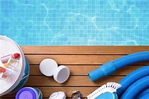Kit Entretien Piscine Gonflable : kit d 39 entretien de piscine ce qu 39 il faut avoir port e de main aquapolis ~ Voncanada.com Idées de Décoration