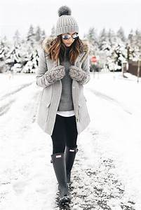 5 Stylish Snow Outfit Ideas | Womenu0026#39;s Fashion | Pinterest | Snow outfit Black rain boots and ...