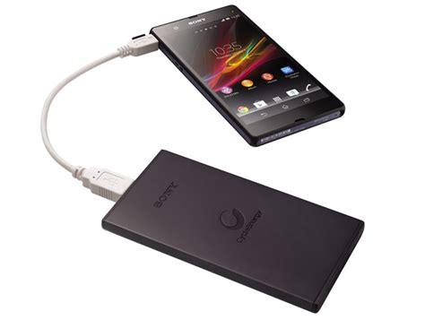 charger sony xperia 99 sony présente deux batteries externes de 5 000 et 10 000
