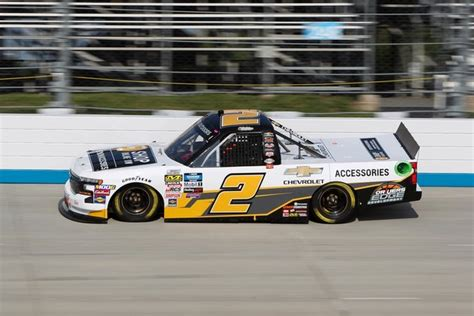 Creed edges Moffitt to win Trucks race at Gateway