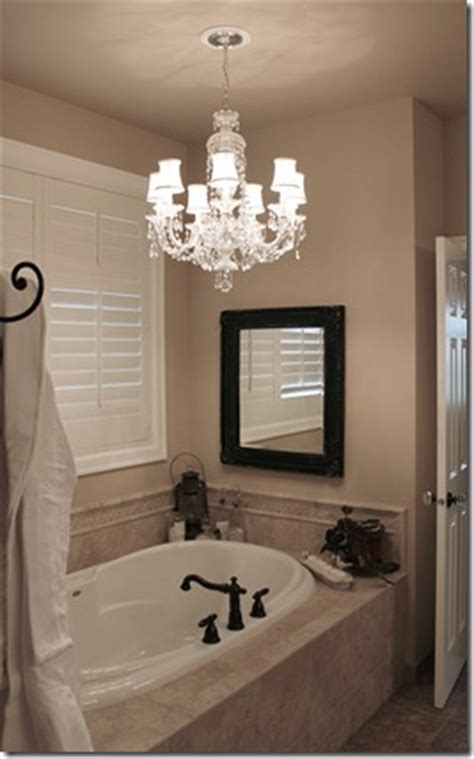 love this idea we have a standard recessed light above