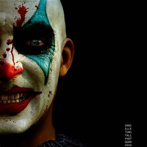 20+ Cool and Scary Halloween Face Painting Ideas ...