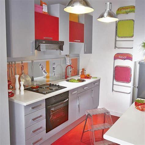 cuisine d 1 jour la kitchenette moderne équipée et sur optimisée