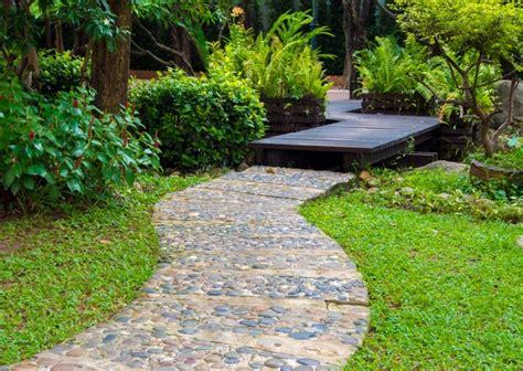 idee jardin allee le specialiste de la decoration exterieur
