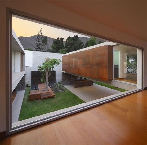 house with courtyard 10 stunning structures with gorgeous inner courtyards