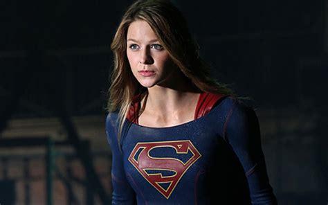 supergirl creators answer burning questions  season