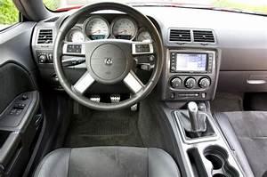 Review  2009 Dodge Challenger Srt8 Six