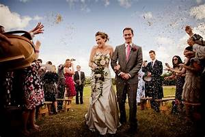 important aspects of becoming a professional wedding With how to be a wedding photographer
