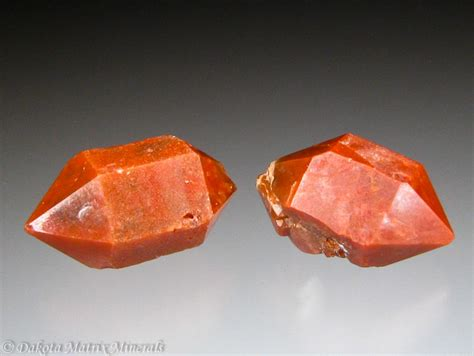 quartz mineral sold dakotamatrix