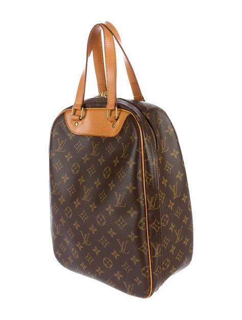 louis vuitton monogram excursion shoe bag handbags lou  realreal