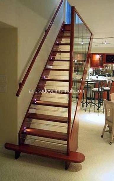 desanin tangga kayu  besi minimalis modern