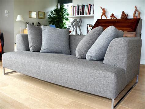 housse de canapé gris la housse de canapé sur mesure les carnets d 39 atelier