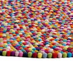 Tapis Boules Multicolores Pas Cher by Un Tapis Design Pour Les Enfants