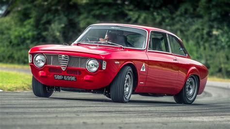 Chris Harris Drives: Alfaholics GTA-R 290 | Top Gear