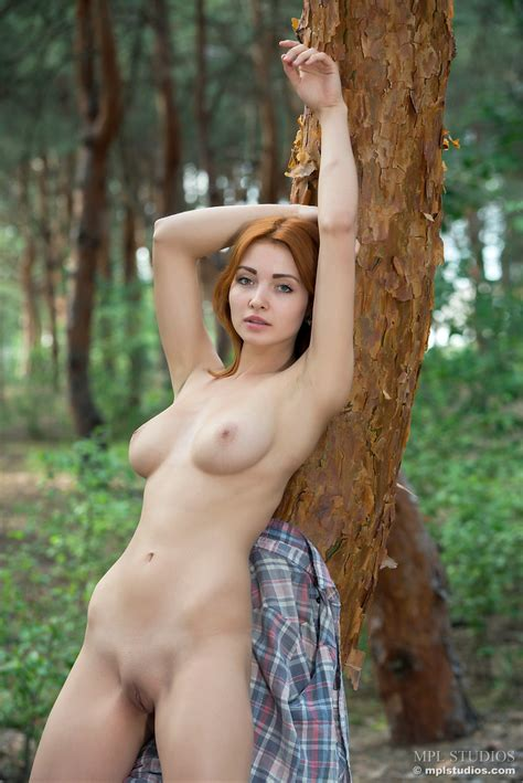 Valeria From Mpl Studios In Outdoor Nudes 12 Photos