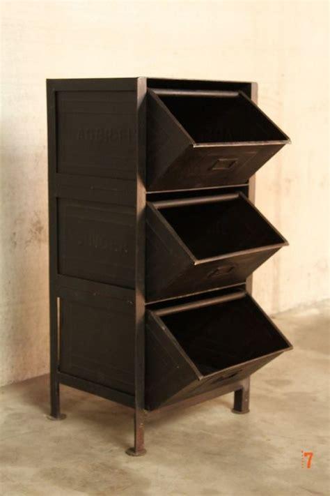 meuble cuisine industriel meuble industriel à tiroirs petit meuble d 39 appoint deco