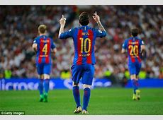 Lionel Messi saves Barcelona with blood on his face