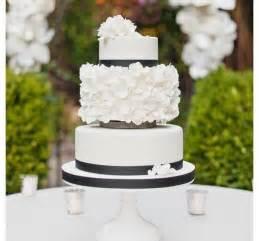 contemporary wedding modern wedding modern wedding cake 2053489 weddbook