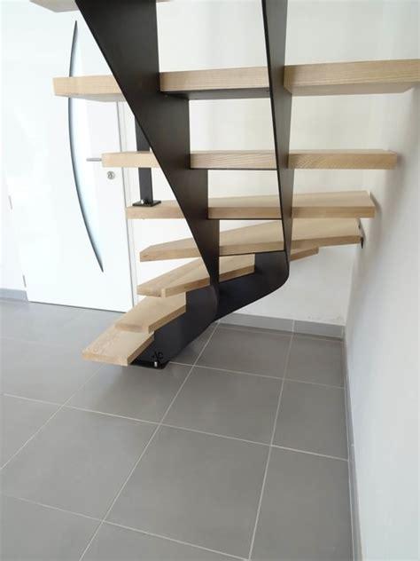 escalier 1 4 tournant milieu escalier acier 1 4 tournant limon central marches en fr 234 ne massif
