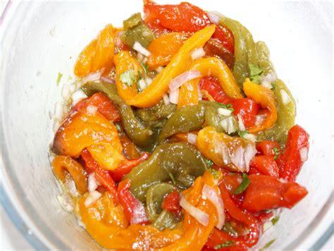 cuisiner le poivron vert recette poivrons marinés aux sardines cuisinez poivrons