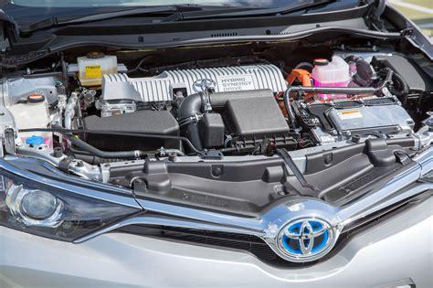 auris hybrid engine  toyota