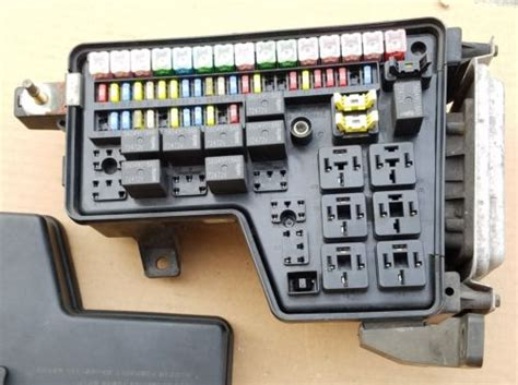 Dodge Ram 1500 Fuse Box by 02 06 Dodge Ram 1500 Integrated Power Module Fuse Box Bcm